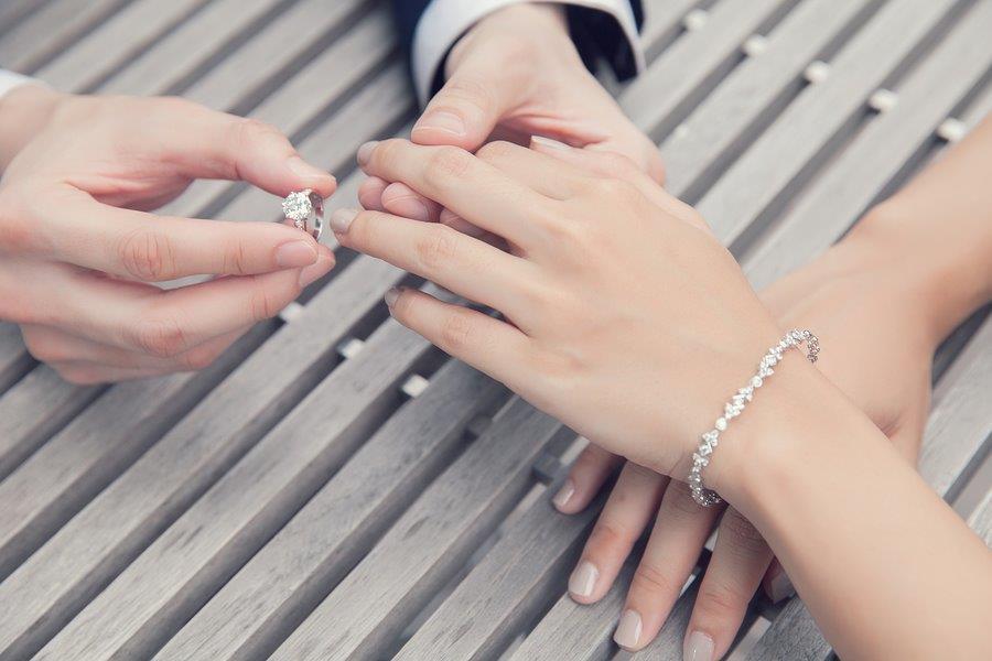bigstock-wedding-engagement-with-diamon-91178102